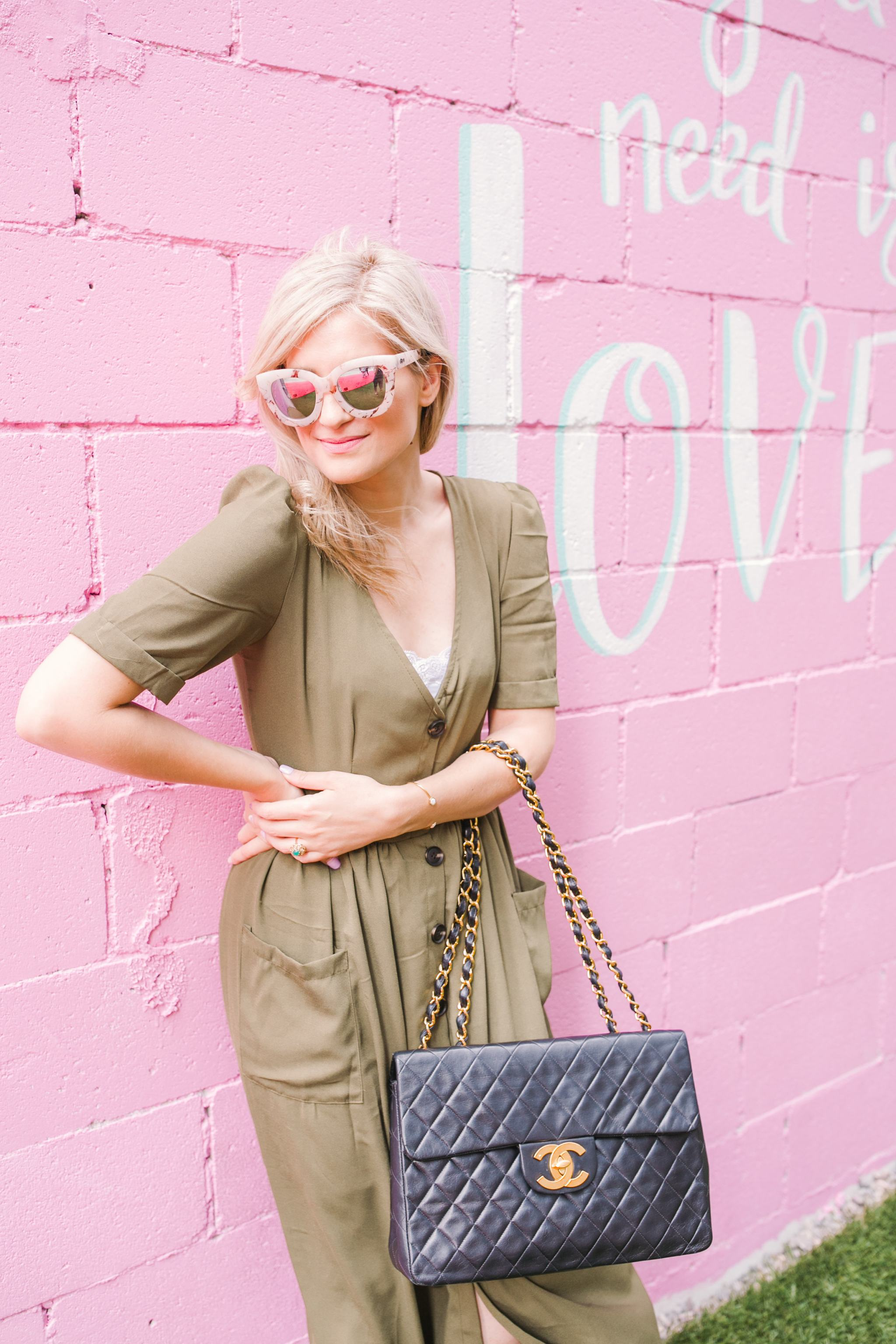 Bijuleni - Detailed guide about working with a blog photographer - Green SheIn dress and vintage jumbo chanel handbag