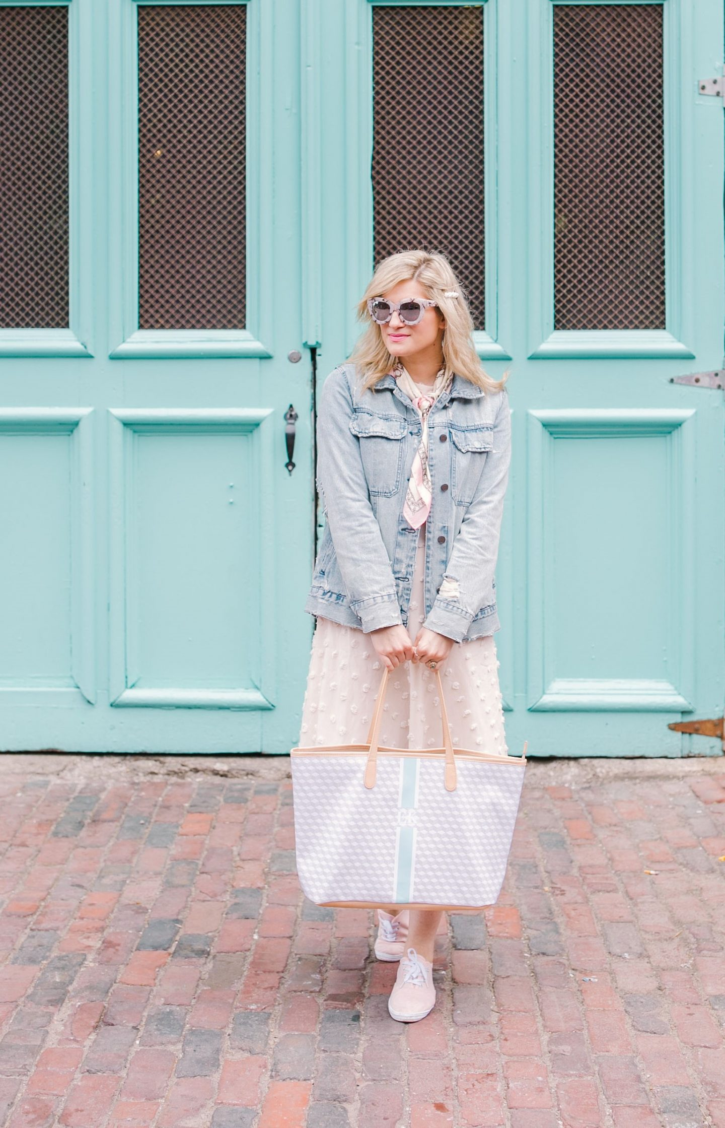 5 Reasons Why You Need a Tote Bag. Super easy to use as a diaper bag too