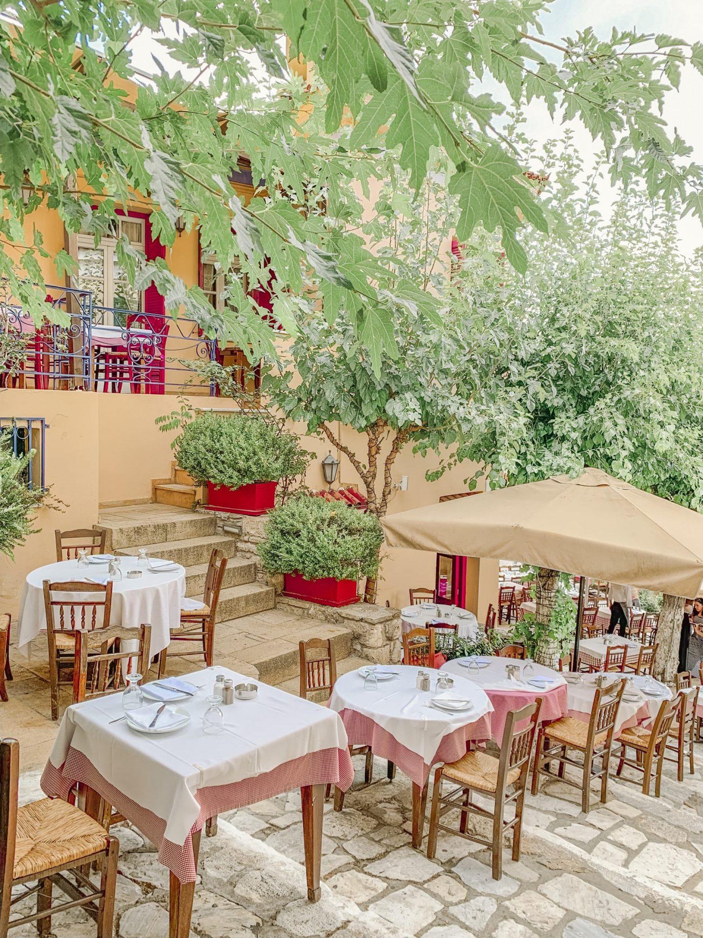 Bijulni - Tavern in Athens, Greece