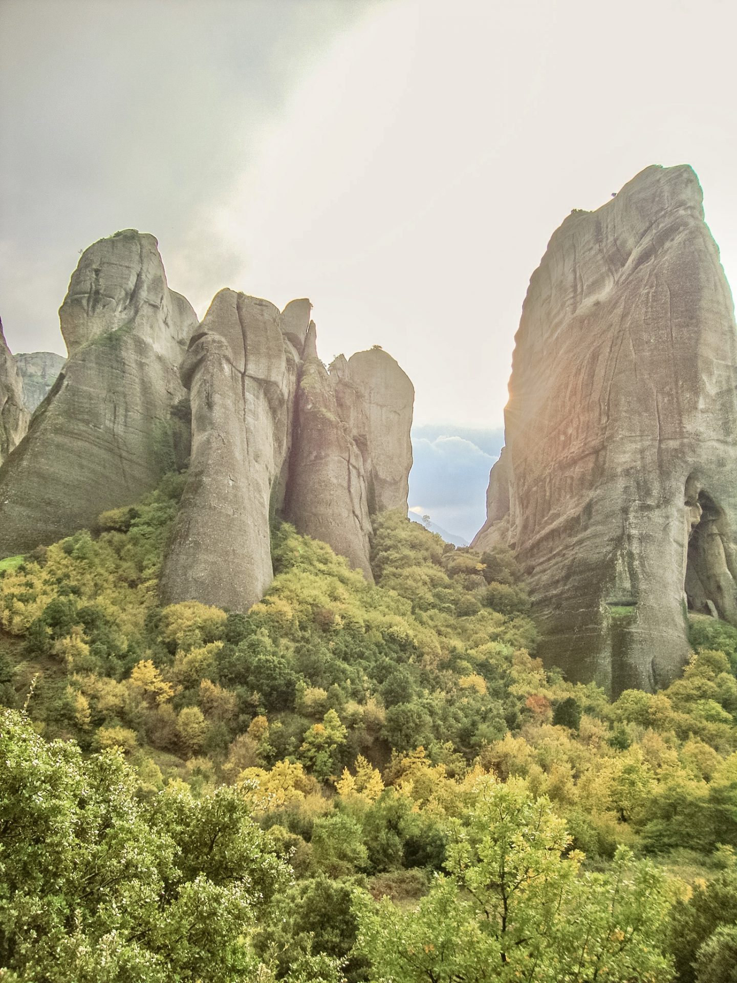 Travel Guide For Visiting Meteora in Greece - Bijuleni