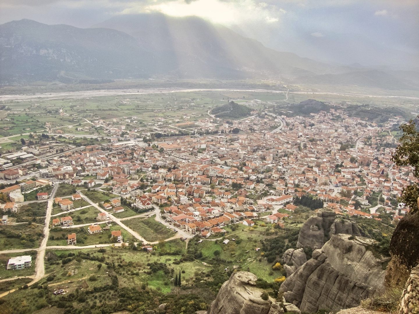 Travel Guide For Meteora, Greece - Bijuleni