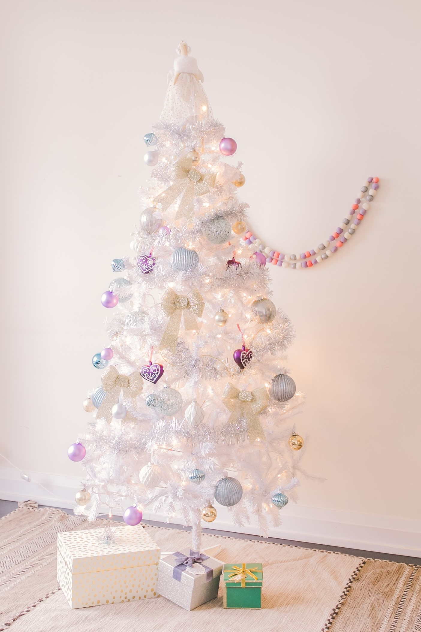 White Christmas Tree Inspiration For Your Home This Holiday Season